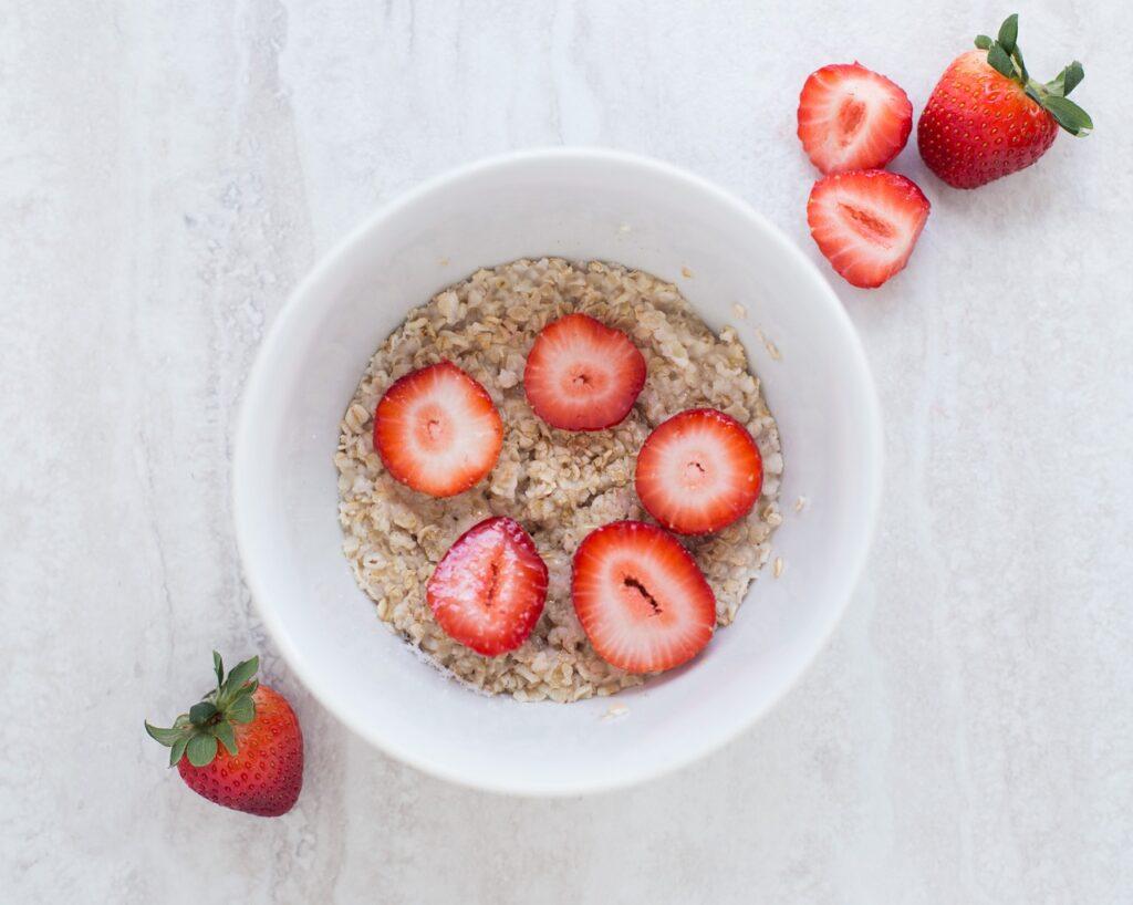 breakfast bowl with berries